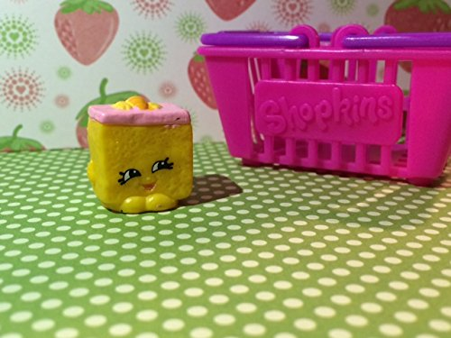 Shopkins Season 2 #2-046 Carrie Carrot Cake (Rare)