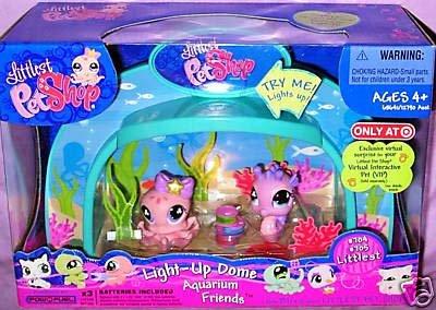 Littlest Pet Shop Figures Exclusive Playset Light Up Dome Aquarium