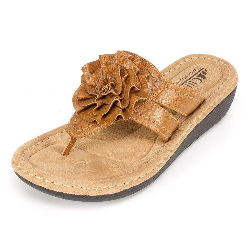 Cliffs 'Charter' Women'S Sandal, Tan - 8 M front-416589