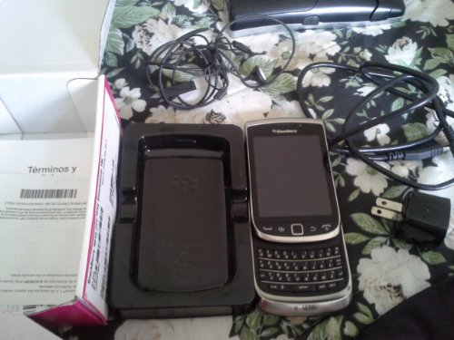 Blackberry Torch 2 9810 Unlocked Phone with 1.2GHz Processor, GPS, 5 MP Camera and HD Video &#8211; Unlocked Phone &#8211; No Warranty &#8211; Grey