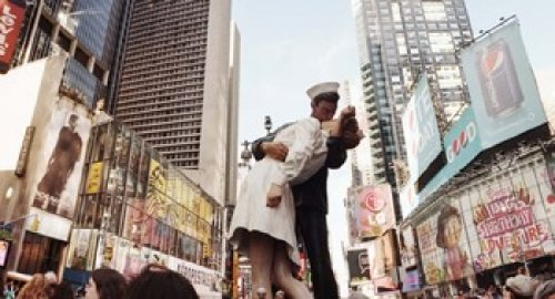 Sculpture In A City, V-J Day, World War Memorial Ii, Times Square, Manhattan, New York City, New York State, Usa Poster Print By Panoramic Images (27 X 9)