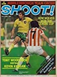 SHOOT cover 12/04/80 Norwich City MARTIN PETERS Stoke football magazine picture