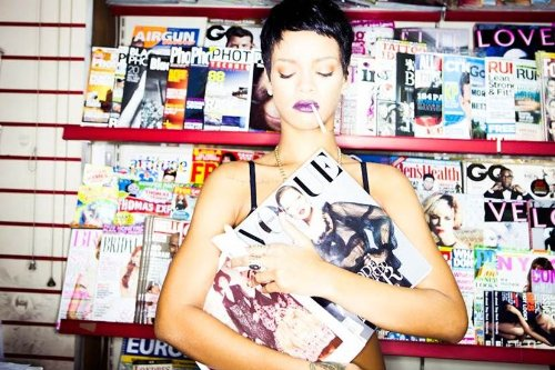 Unapologetic [Deluxe Edition] [CD/DVD]