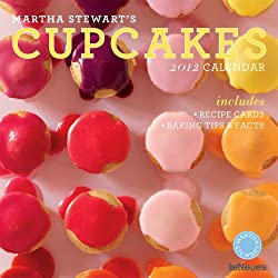 2012 Martha Stewart's Cupcakes Wall Calendar (English, German, French, Italian, Spanish and Dutch Edition)