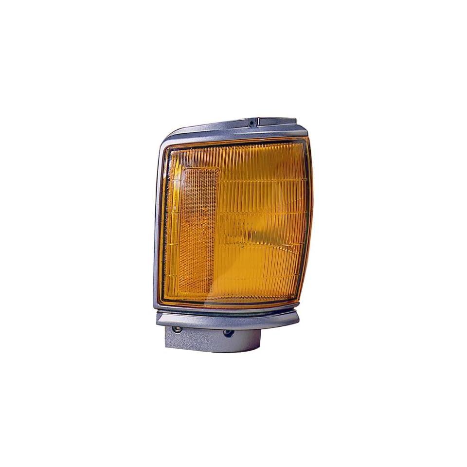 87 88 Toyota Pick up Park Corner Light Assembly ~ Left (Drivers Side, LH)  87, 88 / Lamp