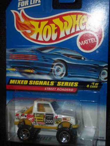 Mixed Signals Series #1 Street Roader #733 Mint