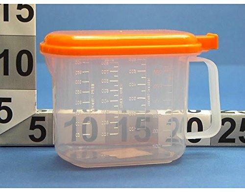 Caraffa Dosatore In Plastica Trasparente Con Coperchio Colorato Con Manico