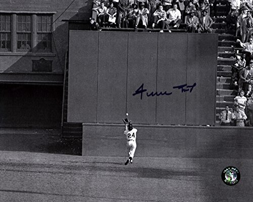 Willie-Mays-Signed-8x10-The-Catch-Sey-Hey-Holo-Giants-2