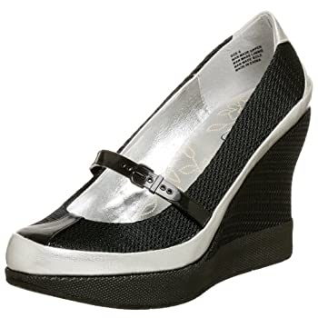 Jessica Simpson Women's Tippy Wedge