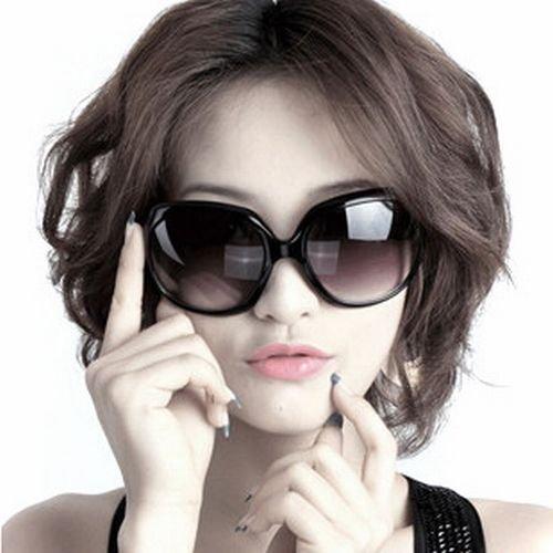 ビックフレーム セレブ 芸能人風 ファッションサングラス (黒 豹柄 赤 ベージュ の4色から) UV400 紫外線防止 レディース [HAPPYNESSMAIL] (ブラックフレーム)