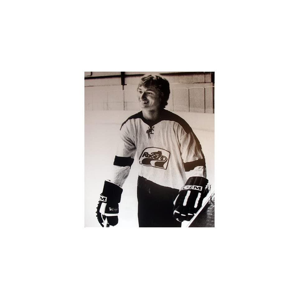 best service 652d1 46bb8 Wayne Gretzky in Racers Jersey B&W 44x32 Foam Core Sports ...