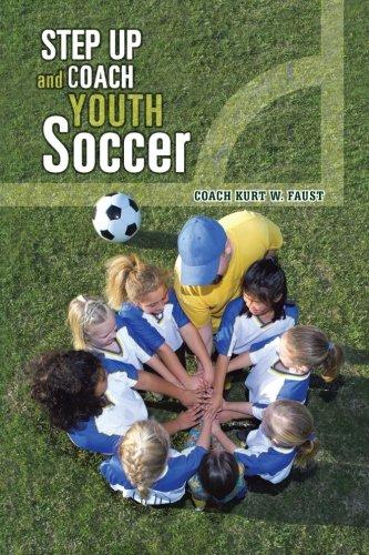 Un paso adelante y entrenador de fútbol juvenil