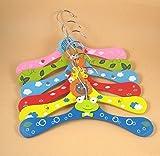 Baby Bucket 5X Baby Child Cute Cartoon Animals attractive Wooden Hanger fancy Clothes Rack(random Colors)