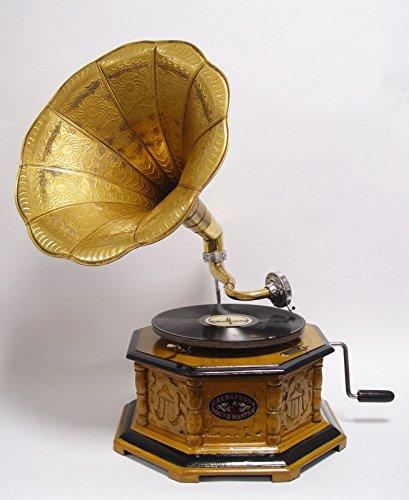 Hellbraunes achteckiges Grammophon mit bronzefarbenem Verstärker Plattenspieler
