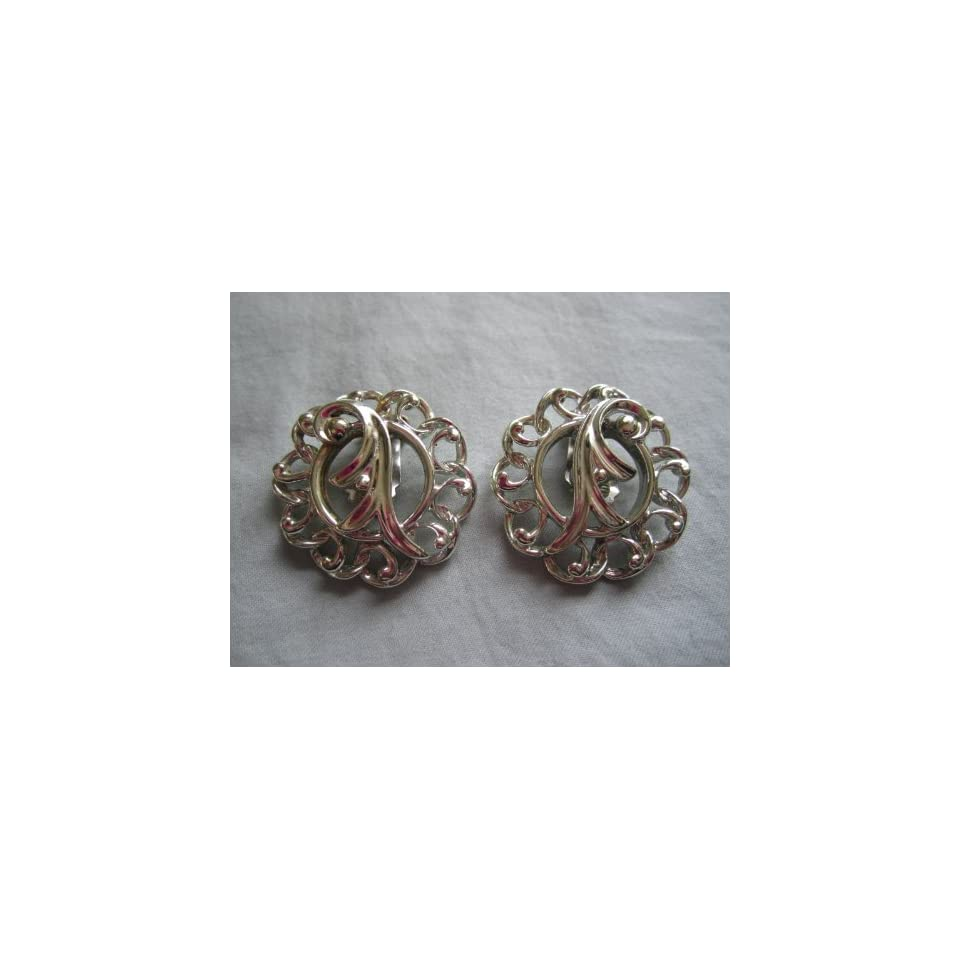 Vintage 1960s Sarah Coventry  Fancy Free  Silver Tone Metal Clip On Earrings 1 1/4 x 1 1/4