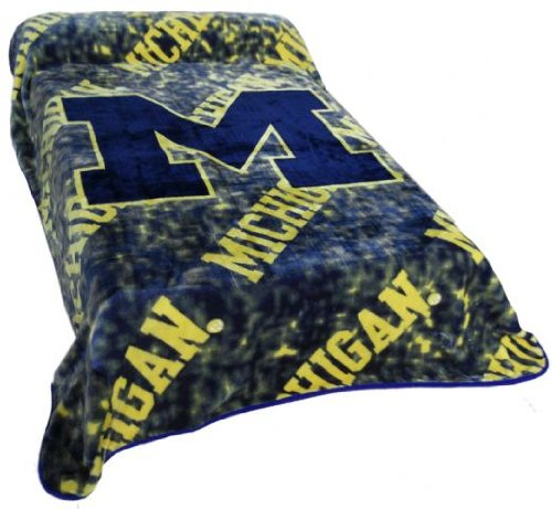 Michigan Throw Blanket / Bedspread By College Covers front-954748
