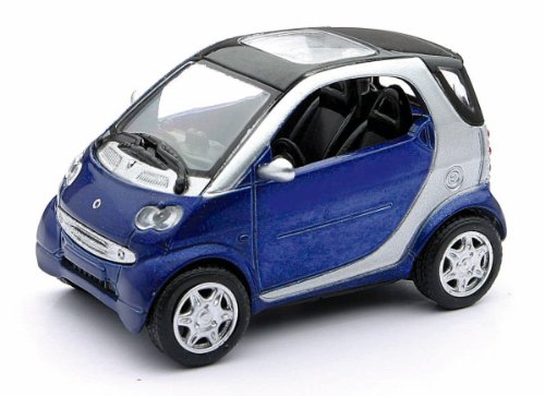 Smart Car Toy : NewRay 1/43 Die-Cast Modern Car: Smart Fortwo (Blue ...