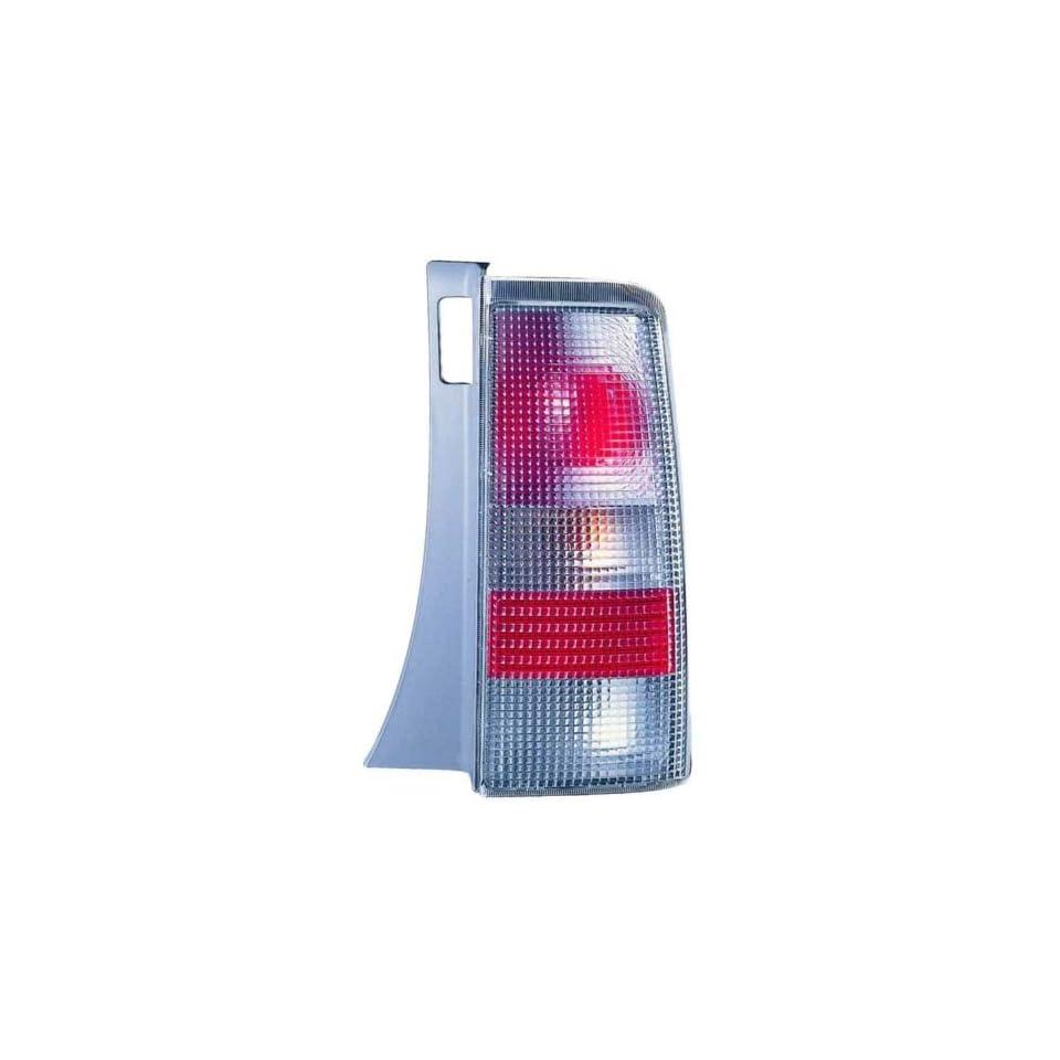 2004 2006 Scion XB Tail Light   Passenger Side (2005)