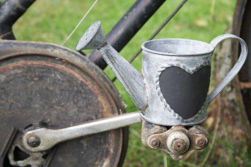 MINI METAL WATERING CAN CHALKBOARD HEART PLANTER HERB POT WEDDING TABLE DISPLAY