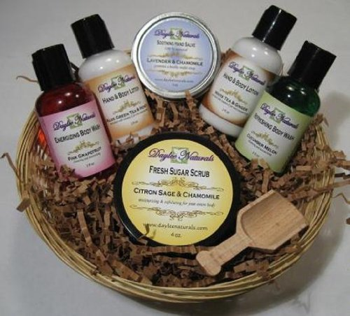 Daylee Naturals Aromatherapy Sample Gift Set including Body Wash, Hand and Body Lotion, Hand Salve, Sugar Scrub and a wooden spoon