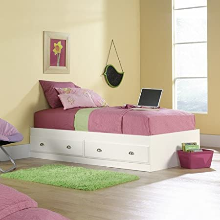 Two smooth-rolling drawers with metal runners and safety stops Creek Mate's Bed