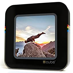 #Cube Retro - A Streaming Display for Social Media