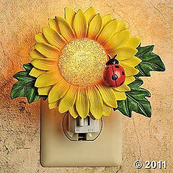 Sunflower Night Light With Ladybug True Color Nightlight Including Bulb front-911377