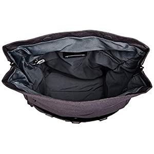 Large main compartment with pockets