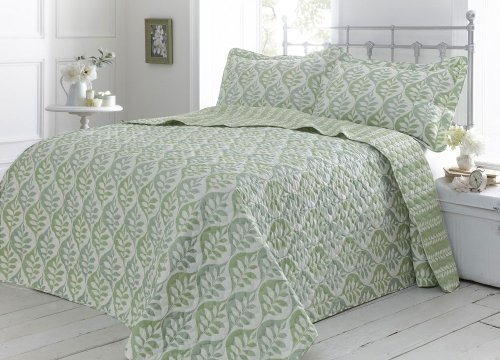 GREEN DOUBLE THROW SET WITH PILLOW SHAMS