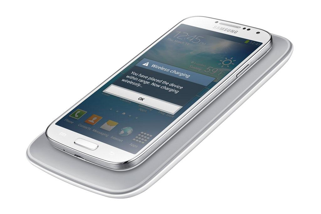 Wireless Phone Charger: Amazon.com: Samsung Galaxy S4 Qi Compatible Wireless