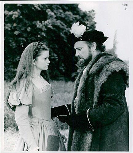 vintage-con-foto-di-un-film-anne-del-giorni-richard-mille-burton-contiene-sulla-vita-di-genevieve-bu