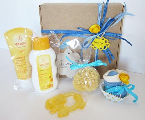 Canastilla-Ecolgica-Bienvenido-Beb-Set-de-Productos-Weleda-con-Cupcake-Babero-TOMMEE-TIPPEE-Calcetines-en-Algodn-BIO-Esponja-natural-SUAVINEX-y-Mordedor-Refrigerante-CANPOL-BABIES-Baby-Shower-Gift-Ide