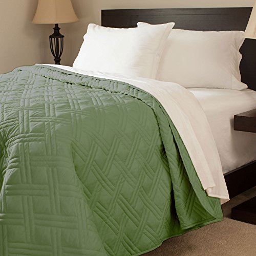 Best Deals! Lavish Home Solid Color Bed Quilt, Twin, Green