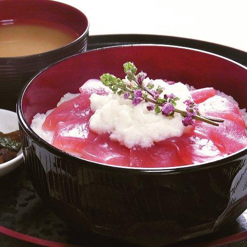 【大人気の海鮮丼!】マグロとろろ丼