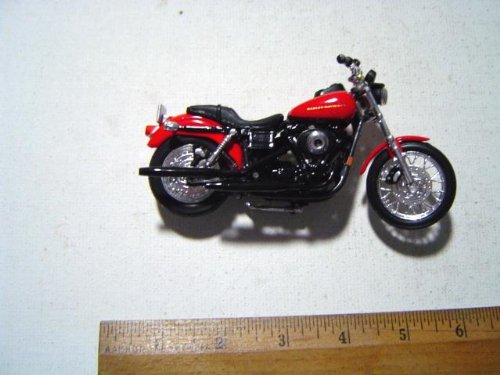 Harley-Davidson Motorcycle 2002 FXDX Dyna Super Glide 1:18 Series 17