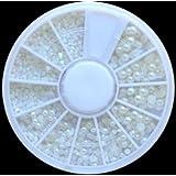 Nail Art Kit / Set d'accessoires pour manucure / pedicure pour déco d'ongles par Cheeky: 1000 nailart paerls.