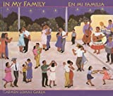 img - for In My Family/En Mi Familia (Spanish Edition) book / textbook / text book