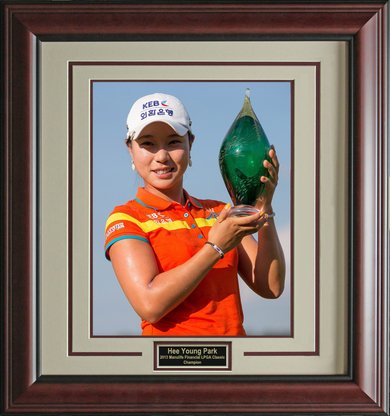 hee-young-park-2013-manulife-financial-classic-champion-framed-photo