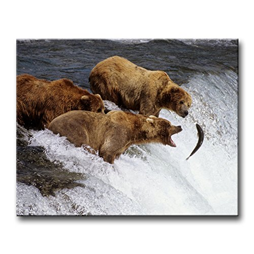 Wall Art Painting Three Brown Bears Hunt Fish In Water Alaska Pictures Prints On Canvas Animal The Picture Decor Oil For Home Modern Decoration Print