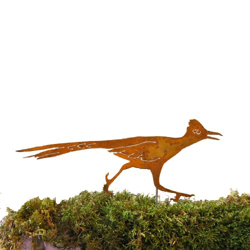 elegant-garden-design-roadrunner-stake-steel-silhouette-with-rusty-patina