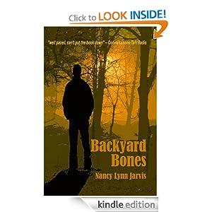 Backyard Bones (Regan McHenry Mystery Series)