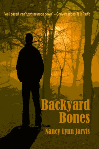 Backyard Bones (Regan McHenry Mystery Series)