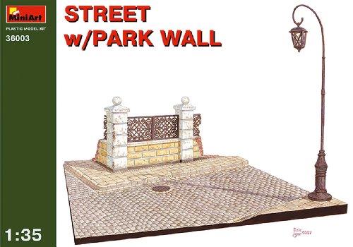 Mini Art Plastics Street with Park Wall