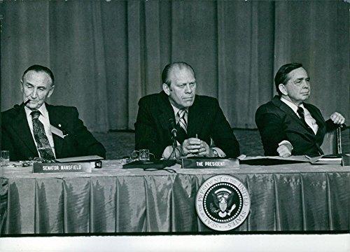 vintage-foto-de-estados-unidos-politicos-r-gerald-ford-mike-mansfield-y-carl-albert-1975