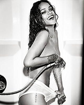 Rihanna 8x10 Celebrity Photo #32