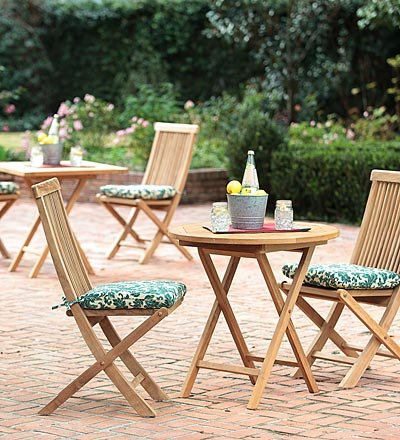 Outdoor Round Table Set