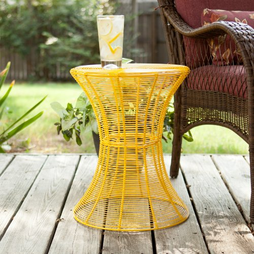 SEI 18.5-Inch Indoor/Outdoor Round Metal Accent Table, Yellow