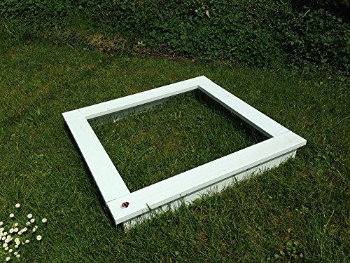 Sandkasten, klein, weiss, aus strapazierfähigem, wetterfestem, pflegeleichtem langlebigem Kunststoff. 100x100x15 cm Sitzbreite 12 cm Vierteiliger Bausatz.