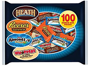 Hershey's Halloween Snack Size Assortment (Heath, Almond Joy, Whoppers & Reese's), 100 Piece, 39.9 Ounce Bag