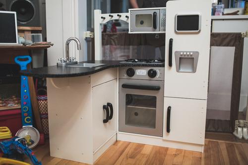 Amazon Com Kidkraft Wooden Play Kitchen Set With Stools